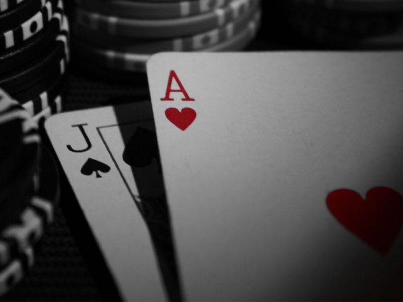 To Reinvent Your Online Gambling